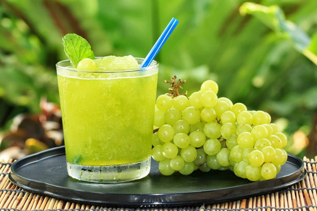 GREEN-GRAPES-JUICE