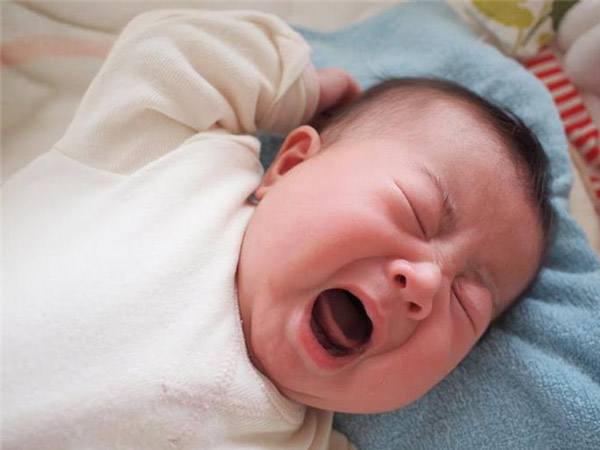 """Trẻ sơ sinh thiếu canxi: Cách bổ sung """"chuẩn"""" từng giai đoạn"""