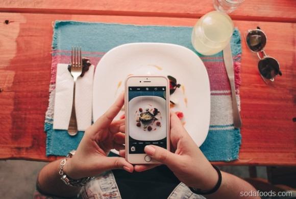 Chi nhiều tiền mà nhận lại phần ăn bé tí trên đĩa, vì sao những nhà hàng sang trọng luôn phục vụ khách như thế?